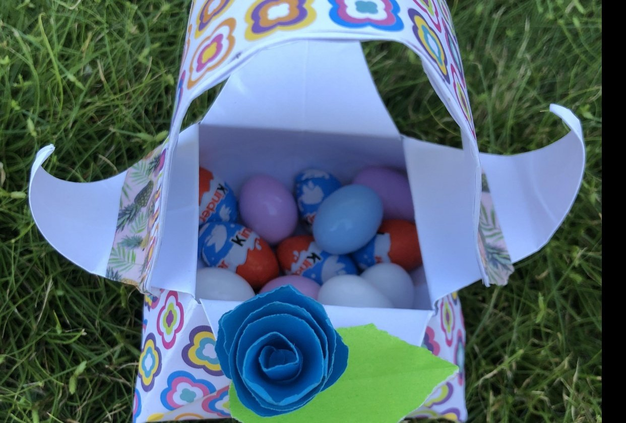 Easter basket for Chocolate eggs - student project