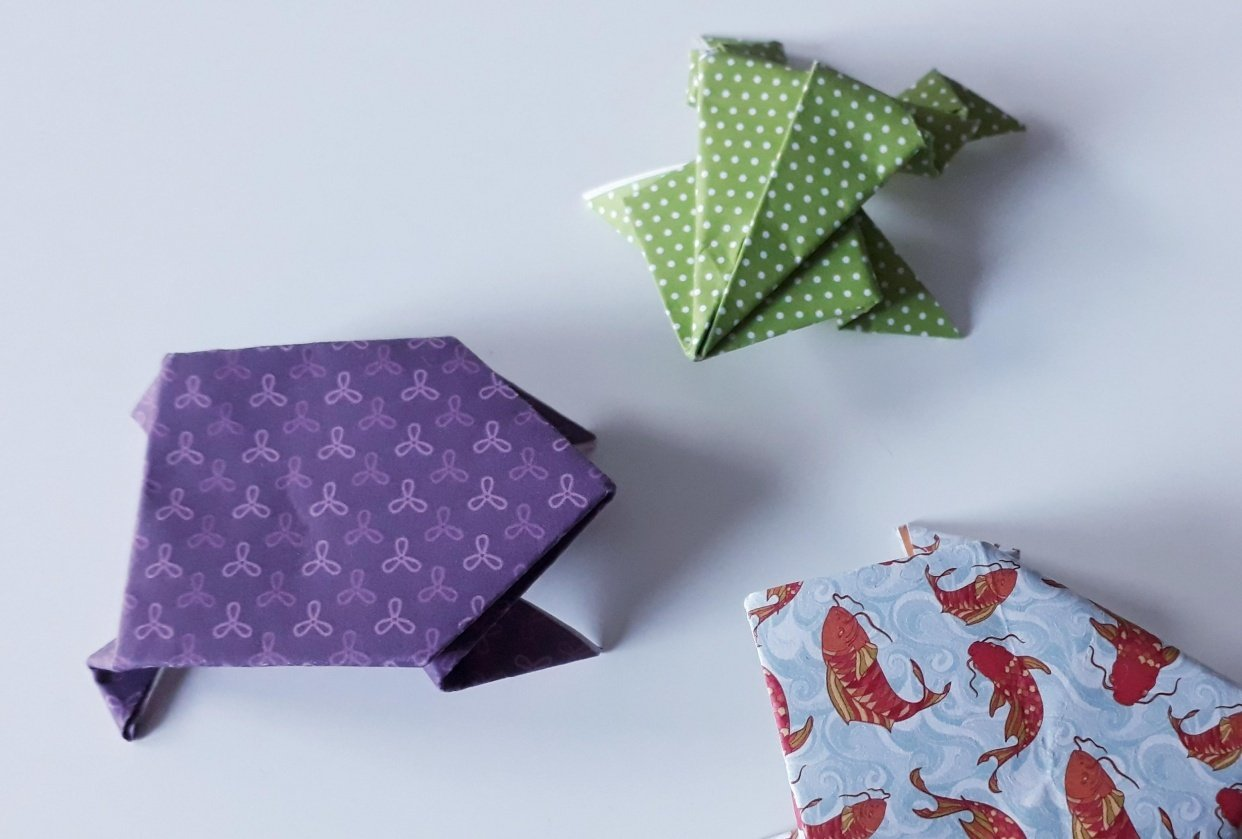 Origami Frogs (^^) - student project