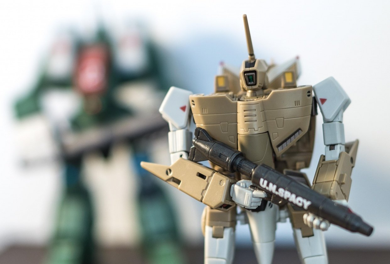 Macross VF1A and spartan in the back. - student project