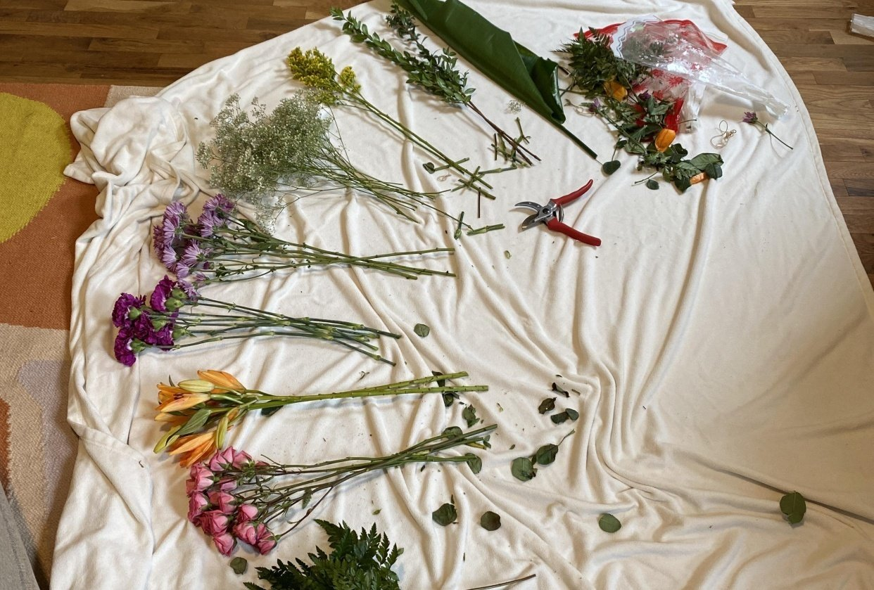 Giving Grocery Store Flowers a Makeover - student project