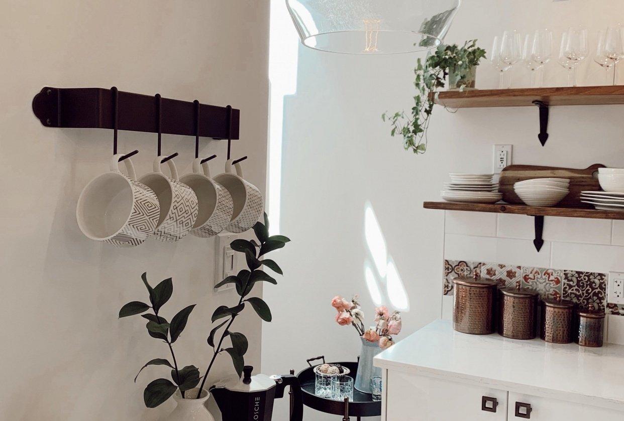 Sunny Modern Farmhouse Kitchen - student project