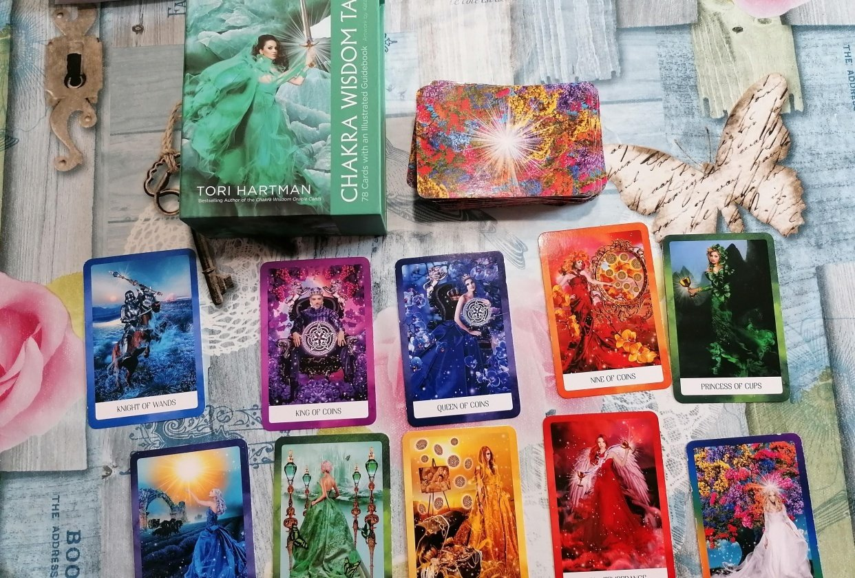 Project 1 : My Tarot Deck - student project