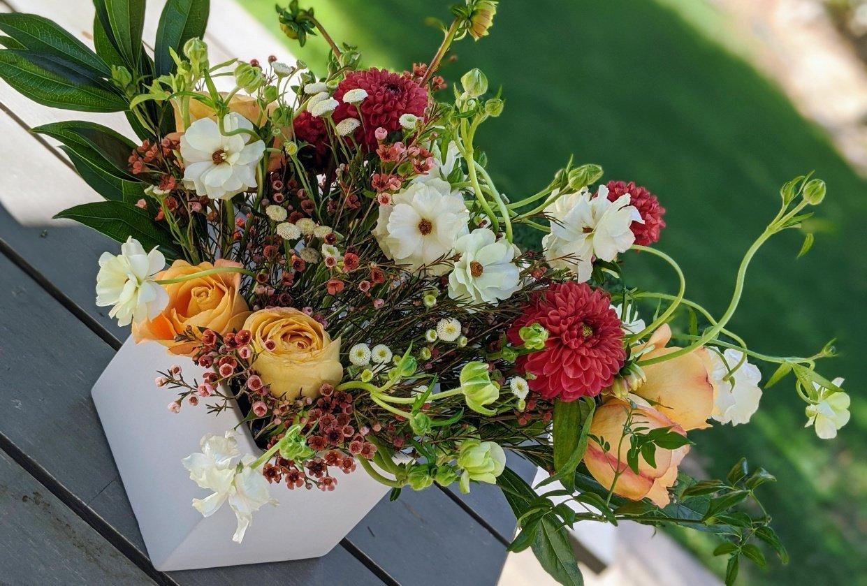 Artful Florals: Advanced Techniques for Centerpiece Design - student project