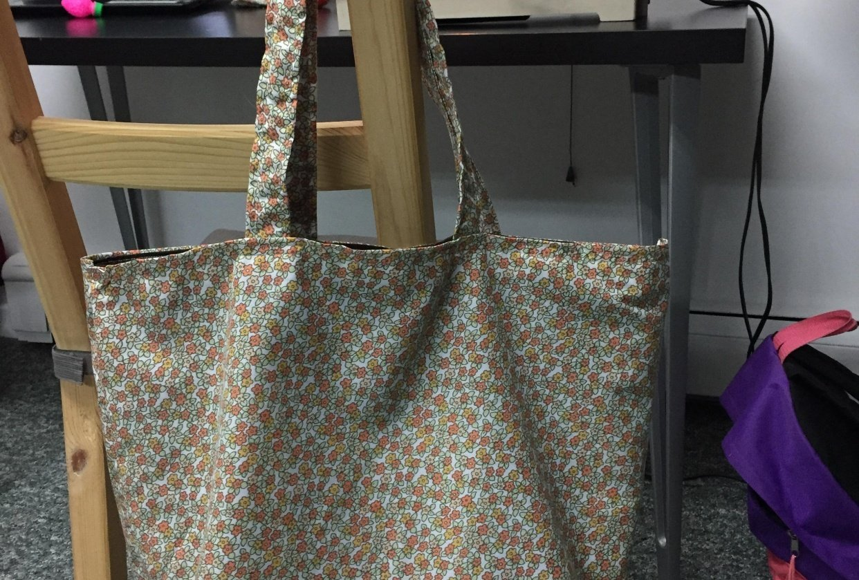 Reusable shopping bag - student project