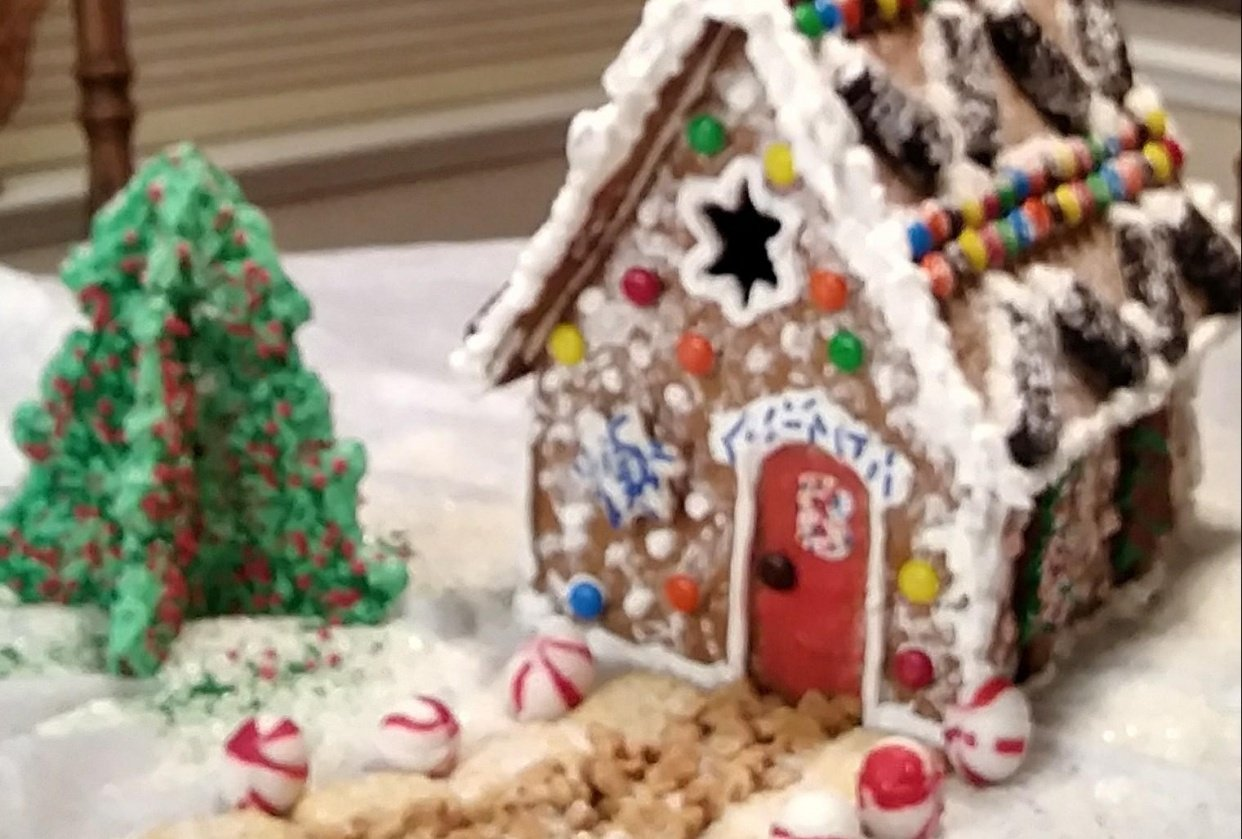 My First Gingerbread House - student project