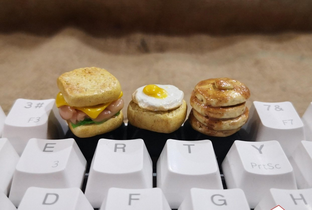 RoyalKeys - handmade food keycaps - student project