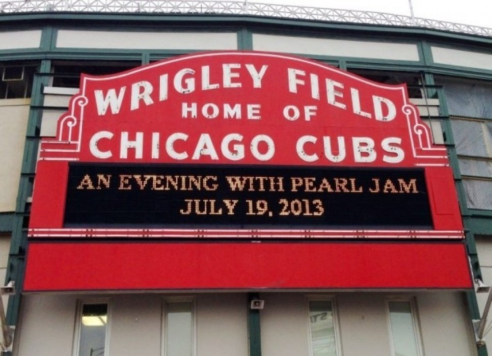 Pearl Jam @ Wrigley Field - student project