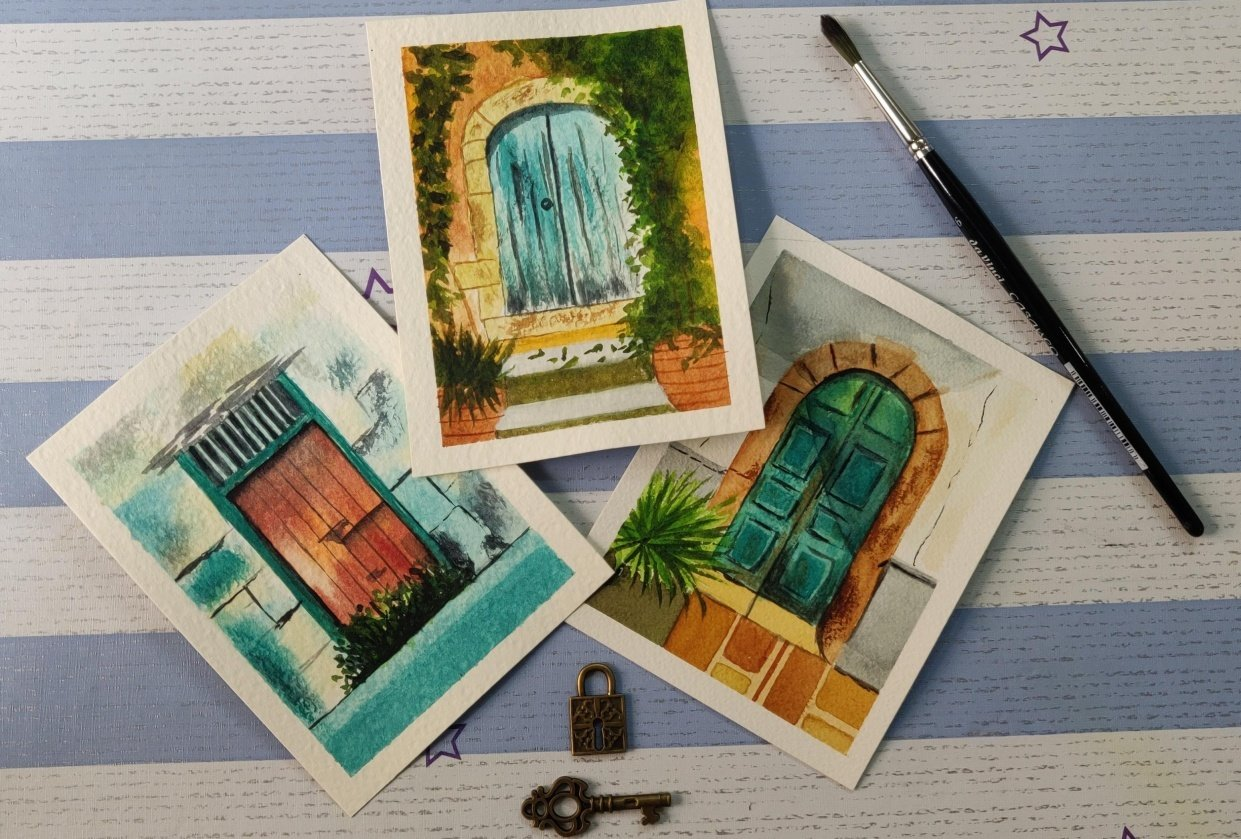 Watercolor postcards: painting old rustic doors in watercolors - student project