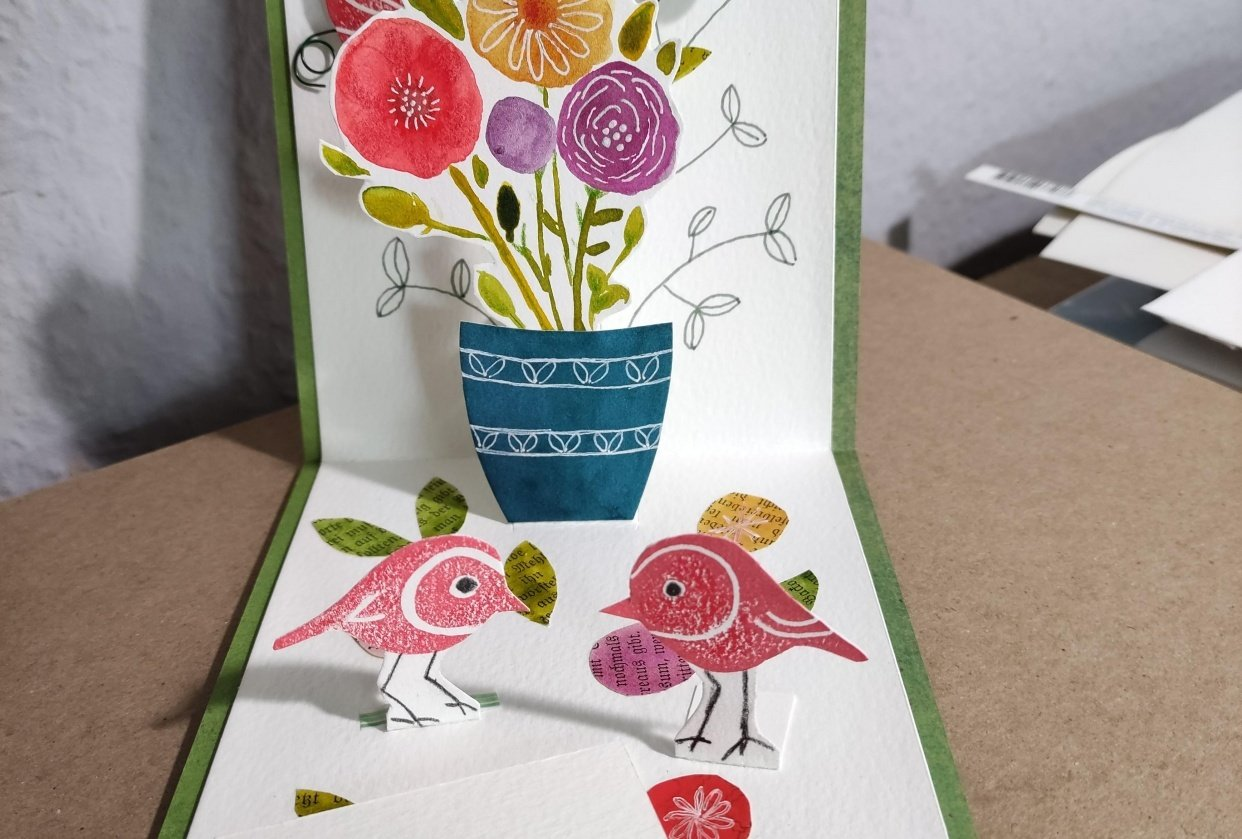 Pop-up robins' garden - student project