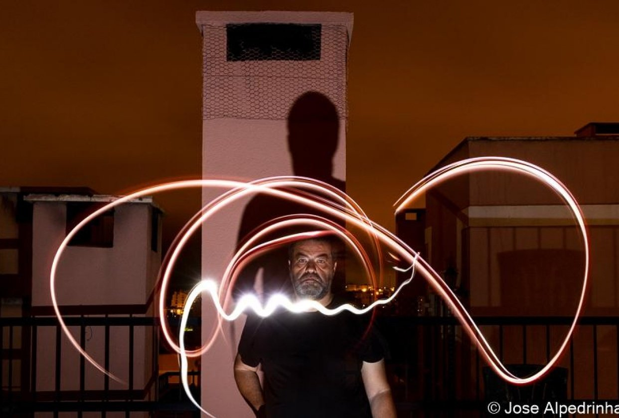 First experiment on Light Painting - student project