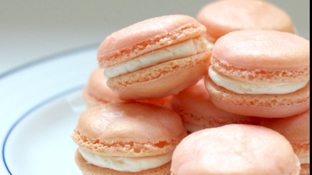 Pretty Pink Macarons for Valentine's Day - student project