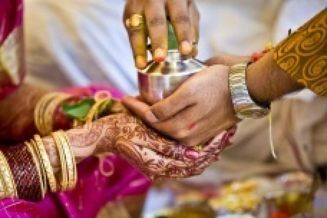 Anjuna - Pinterest Style Social Bookmarking Site for Indian Weddings - student project