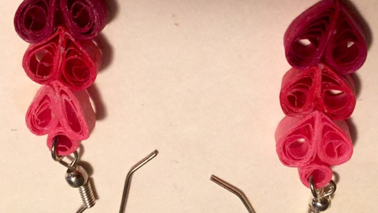 quilled heart earrings - student project