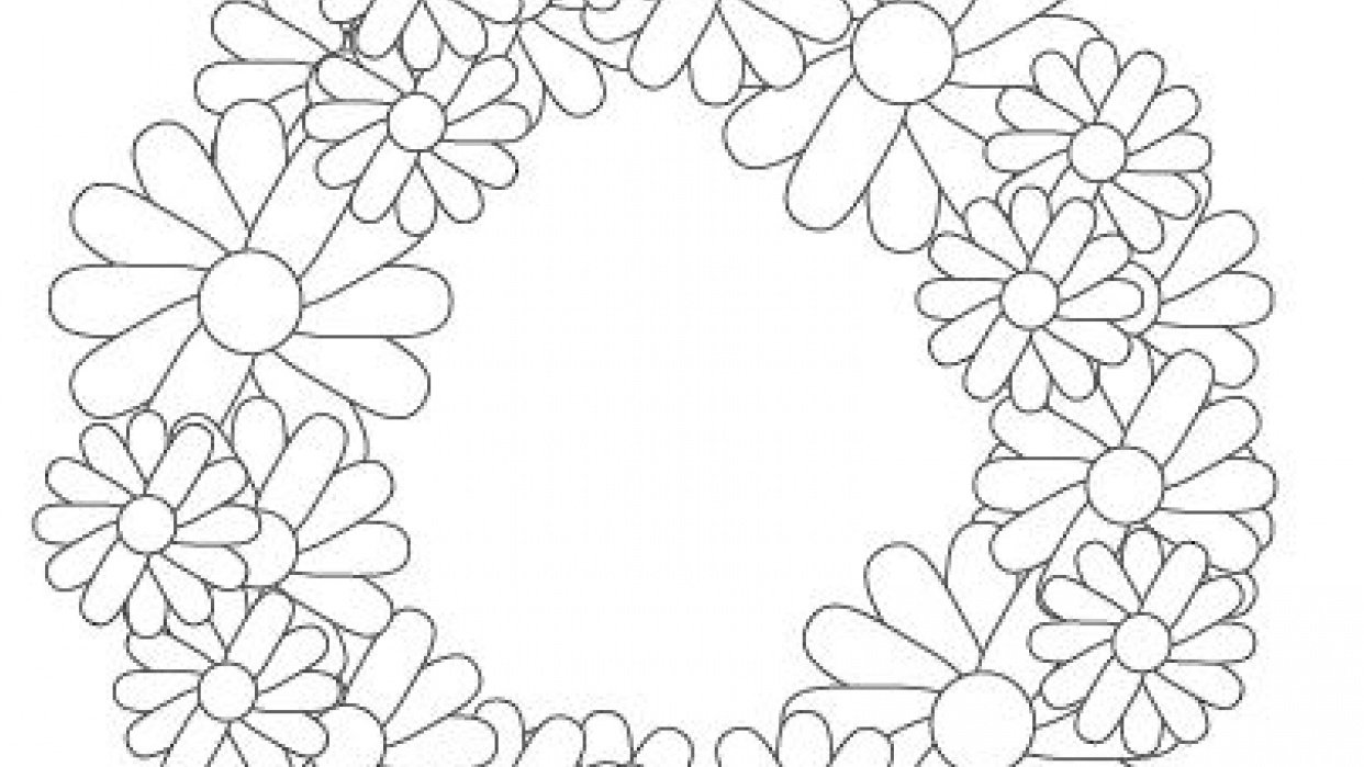 Wide Petal Wreath - student project