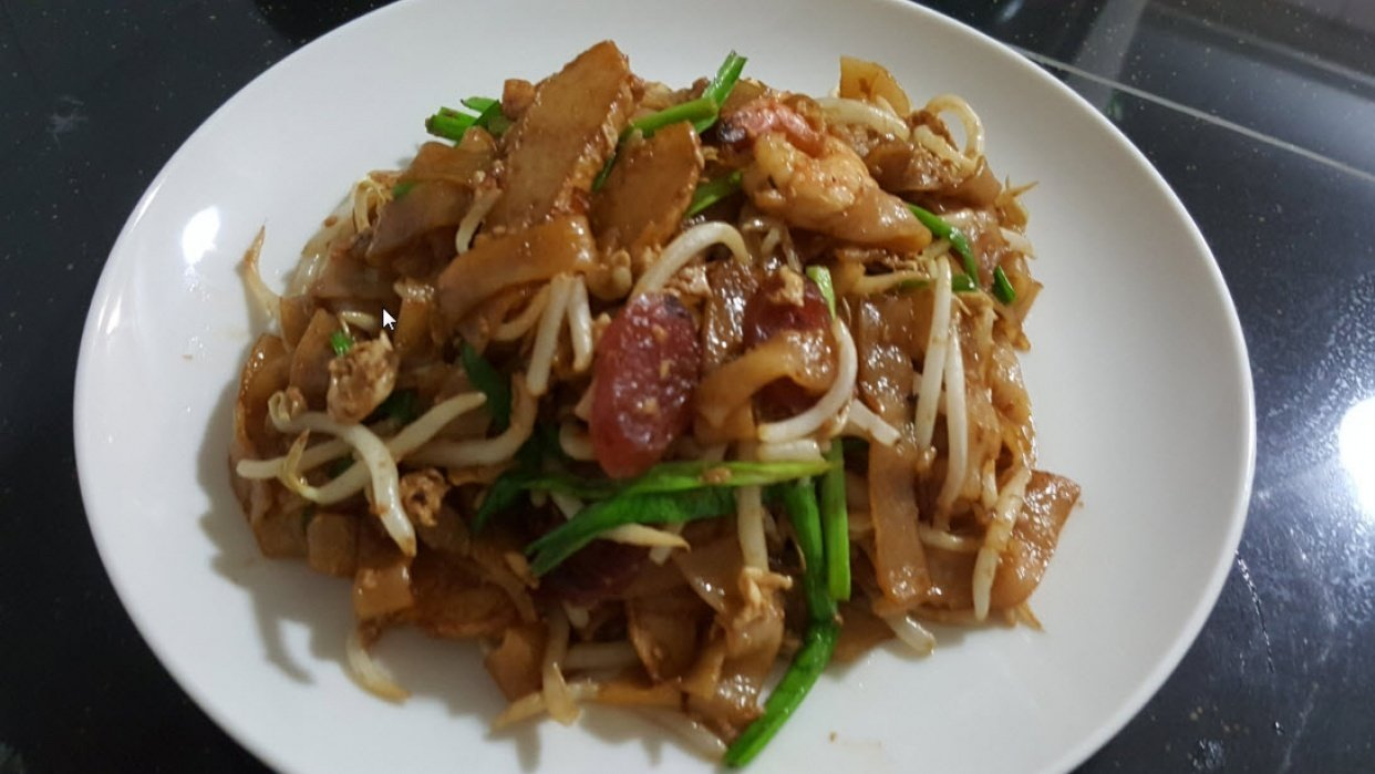 How To Stir-fry Flat Rice Noodles Or Char Kway Teow - student project