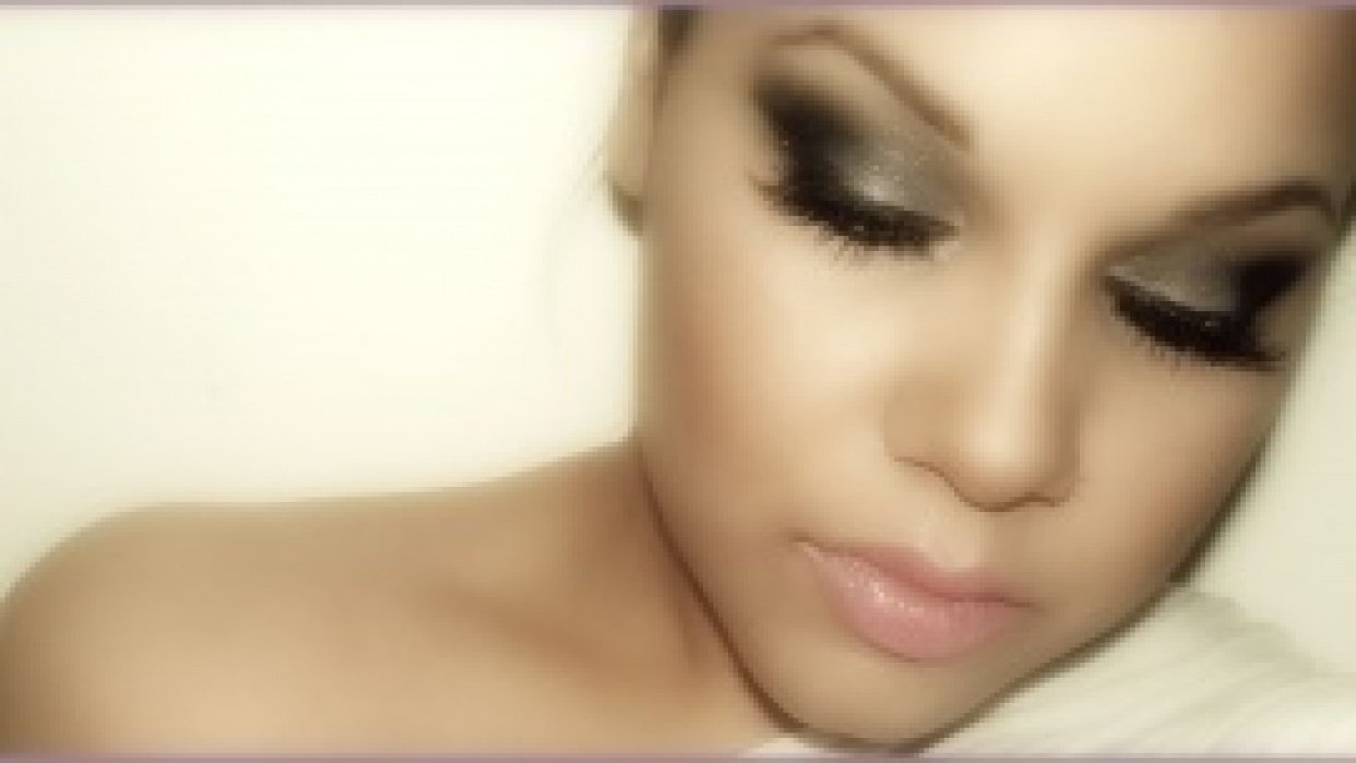SUBTLY DAYTIME AND SULTRY NIGHTTIME EYE MAKE UP - student project