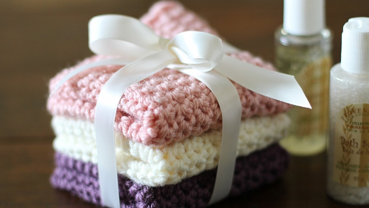 How to Crochet a Washcloth - student project