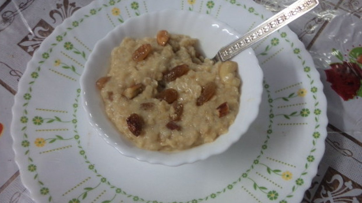How to convert bland oats to healthy dessert in 10 minutes- for your children and the child in you - student project