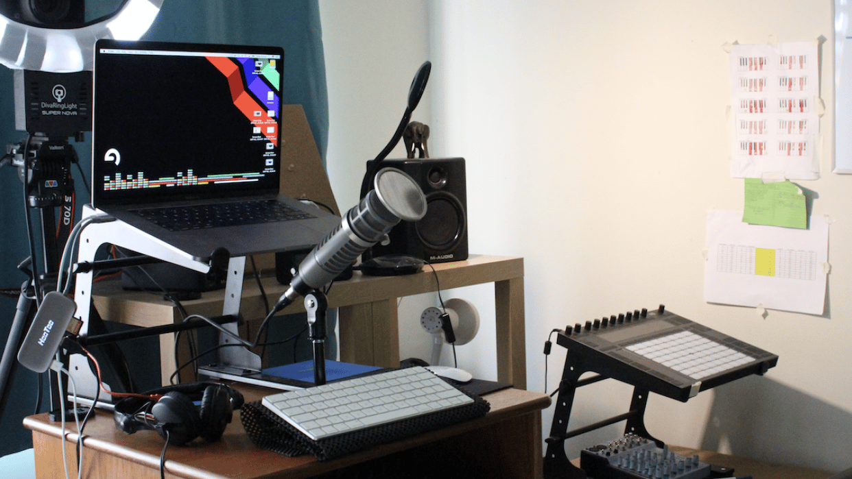 My current setup for recording music production tutorials - student project