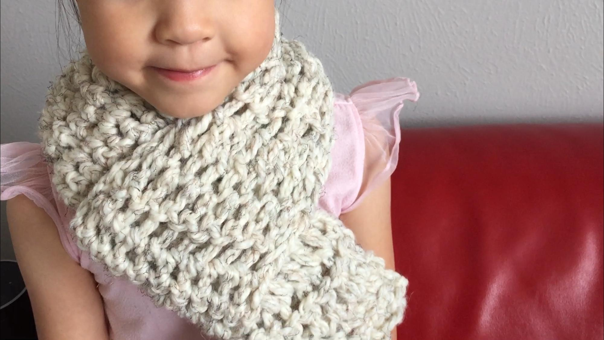 Simply crochet finger crochet scarf beginners class ling class projects see all make a finger crochet scarf baditri Images