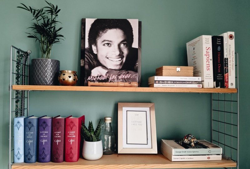 Shelf decor in room makeover