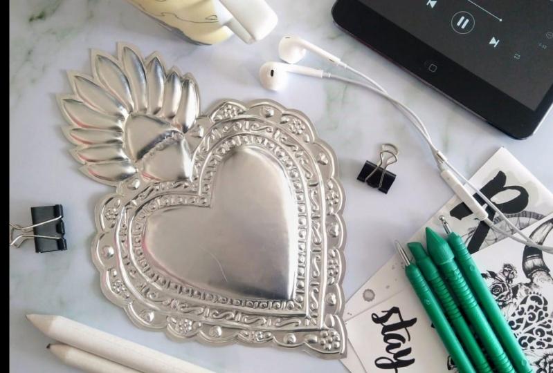Aluminium craft flatlay