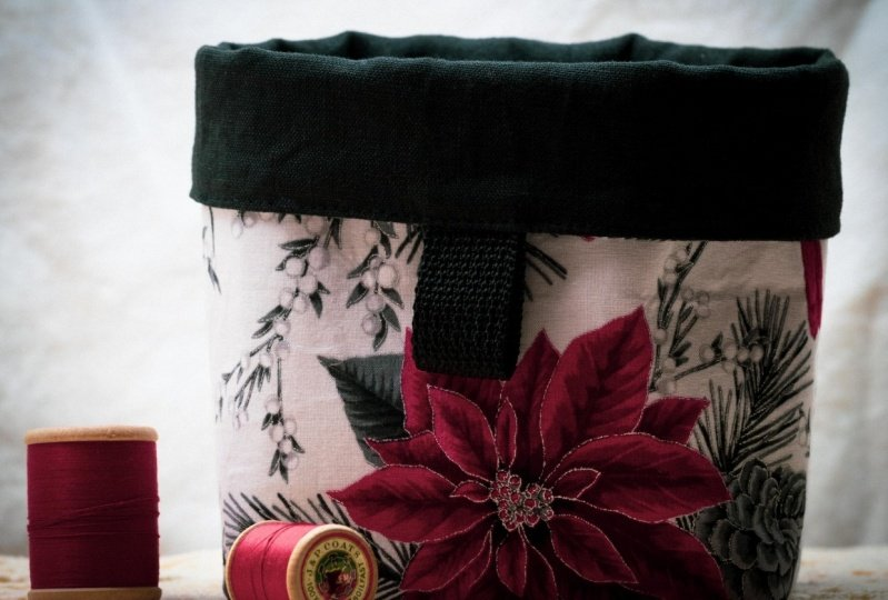 Poinsettia Table Pouch
