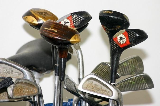 Golf club selector