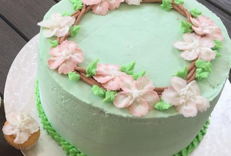 Buttercream floral wreath cake