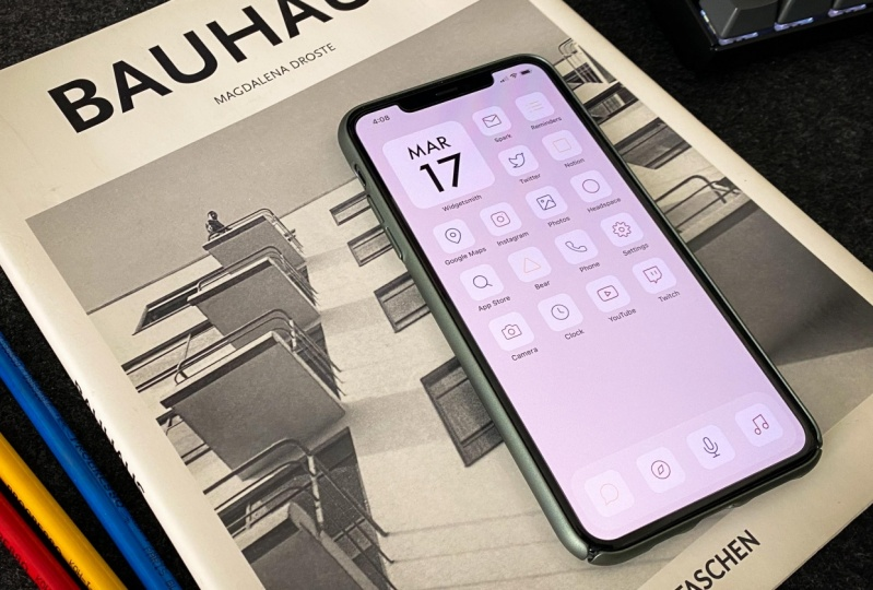 Bauhaus inspired iOS icon pack