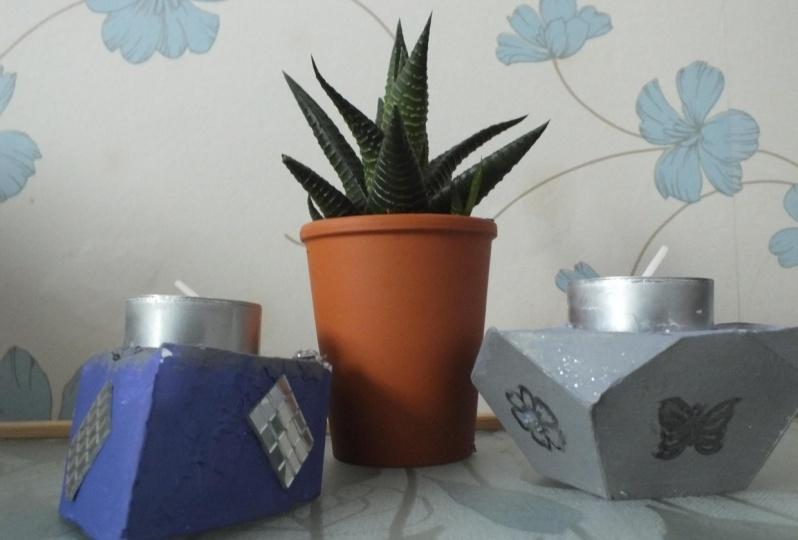 Prism shape tea light holders