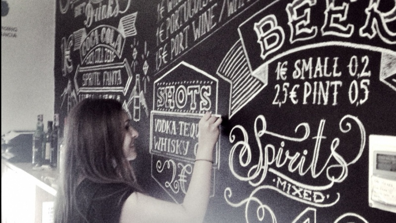 Chalkboard lettering in Yes Hostel, Porto, Portugal