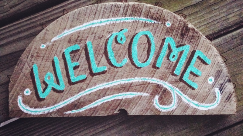 Beachy Wooden Welcome Sign