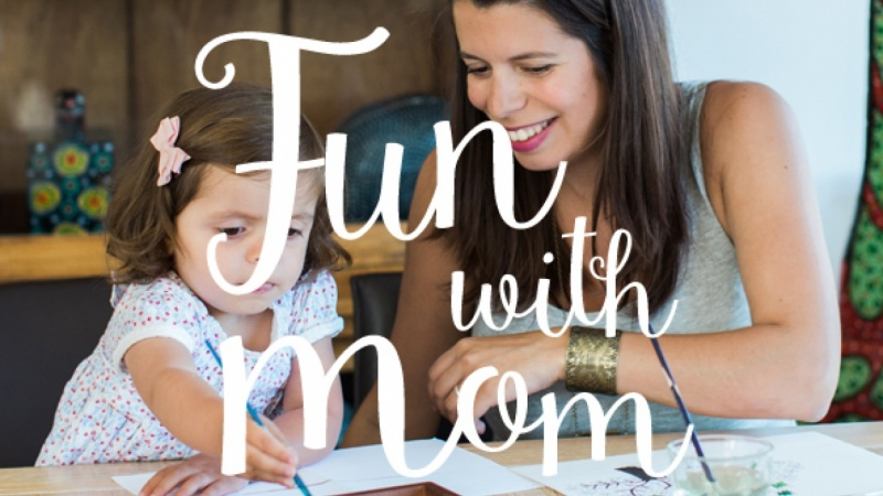 Fun with Mom: Make stamps for your toddler!